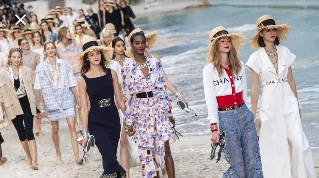 online retailer 1e1b3 fd5b1 Uno sguardo rivolto alle nuove tendenze moda primavera ...